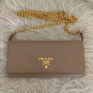 🌻Prada wallet on chain🌻